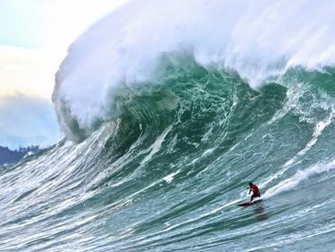 Admirer la vague géante Belharra au Pays Basque