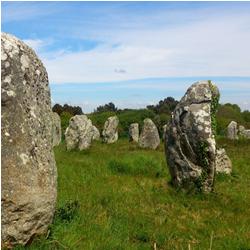 Découvrir les menhirs de Carnac en Bretagne