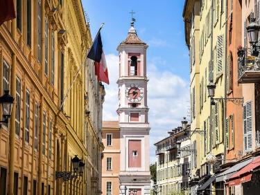 conseil de membre HomeExchange Côte d'Azur : gastronomie gouter le Socca à Nice