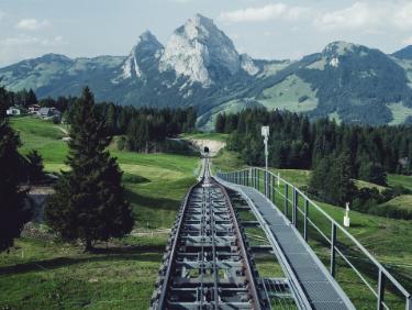 Echange de maison vacances en famille funiculaire de Stoos en Suisse